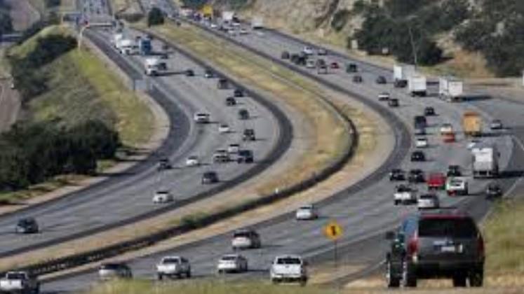 Car collision kills one on I-15 Escondido Fwy